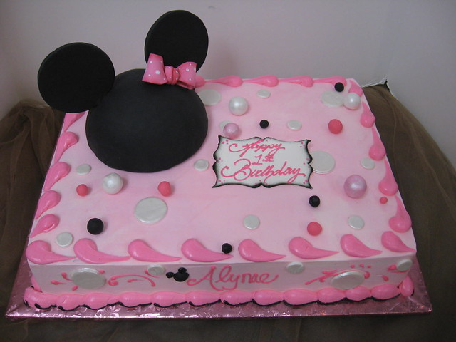 Minnie Mouse Sheet Cake Images : Alynae s minnie mouse ears sheet cake Flickr - Photo ...