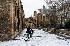 Bicyclist in Oxford by nyer82