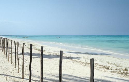 ocean africa blue sea film beach geotagged tanzania turquoise indianocean zanzibar ★ lightzone geo:lat=598341345 geo:lon=3937751055 geoafrica 0tagged set:name=199708tanzania