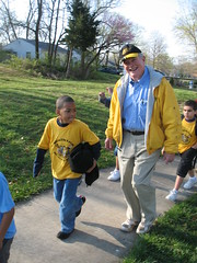 Senator Kit Bond walks to school with Columbia MO schoolchildren