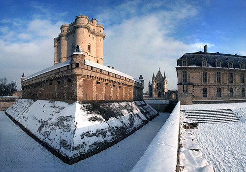 Château de Vincennes castle - After the snow #1