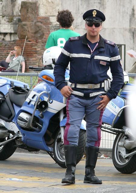 Polizia di stato italian police giro d italia by for Polizia di stato roma permesso di soggiorno
