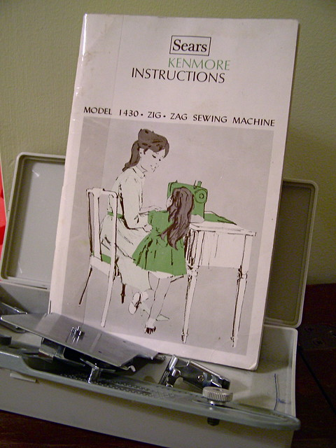 SEARS KENMORE 1753 ZIG ZAG SEWING MACHINE MANUAL AND BUTTONHOLER