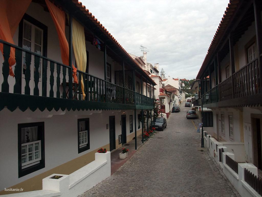 Maisons typiques de São Pedro de Moel. Je les trouve vraiment esthétiques, et sont ce que je préfère en architecture: un véritable héritage historique, mêlé aux avancées de notre temps.