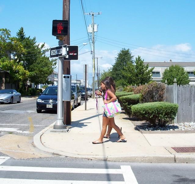nj08h66 Ventnor City Girls, New Jersey 2008