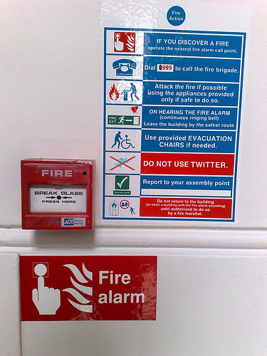 In case of fire, do NOT use Twitter [pic]
