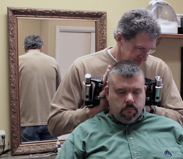 Barber Massager : Springfield IL - Ricks Place Barber Shop (17 of 31) Flickr - Photo ...