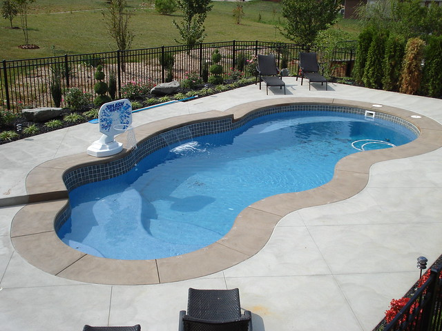 Fiji 6a viking pools free form design clearwater fib for Pool design louisville ky