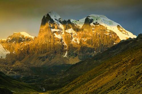 sunset mountains peru southamerica nature trekking landscape cloudy scenic peak glacier explore andes sudamerica américadelsur cordillerahuayhuash abigfave puscanturpas