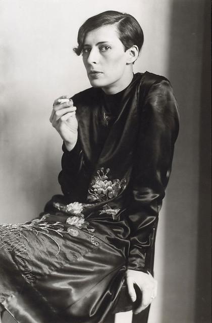 Sylvia von Harden, Journaliste, 1920s, by August Sander