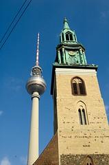 Kirche und Fernsehturm