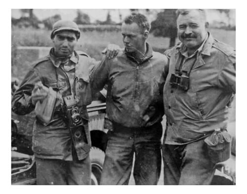 Hemingway e Capa_Giugno1944_Portland
