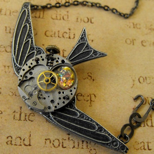 Steampunk-Time Flies Necklace