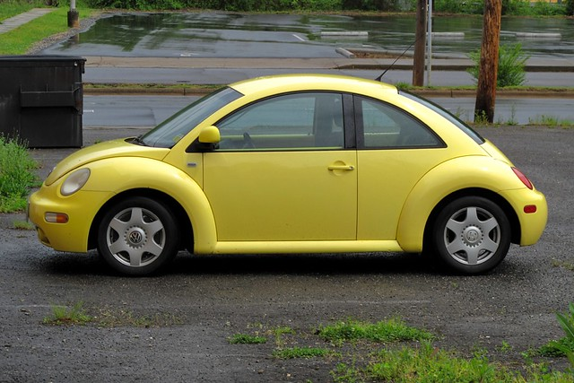 yellow vw bug flickr photo sharing. Black Bedroom Furniture Sets. Home Design Ideas