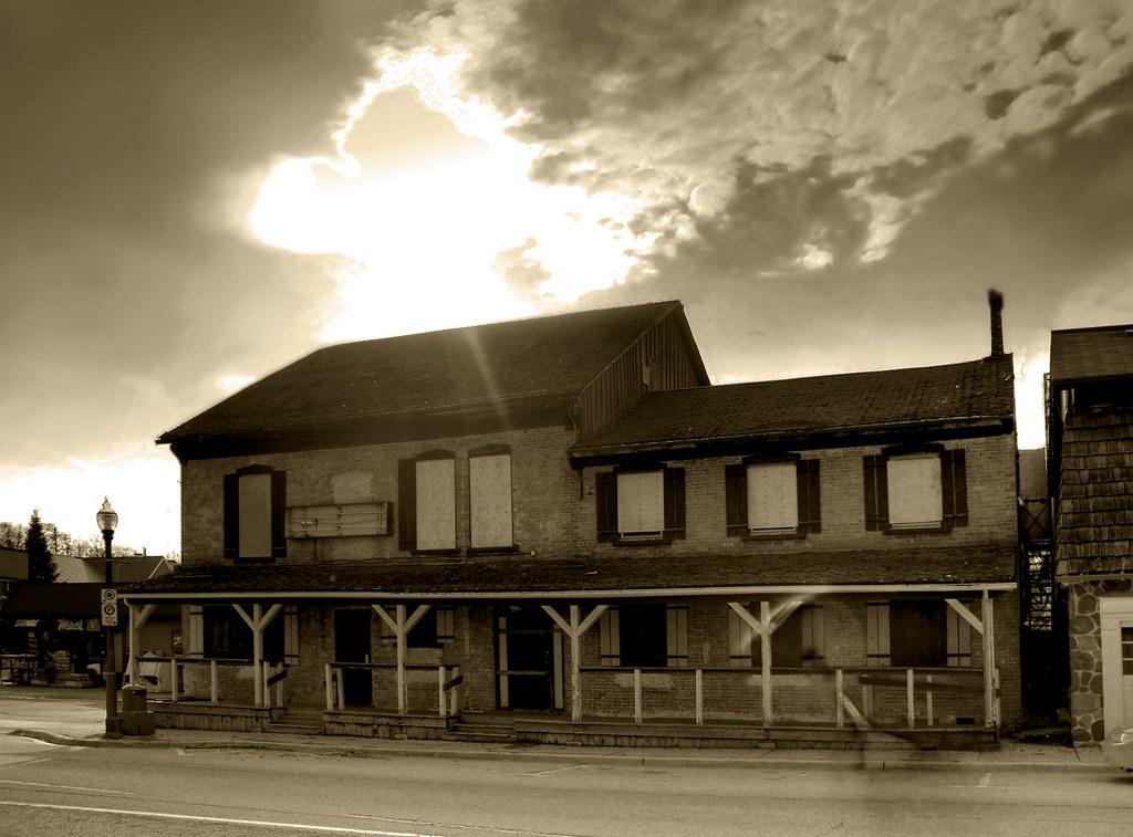 Elmira Canada Hotels