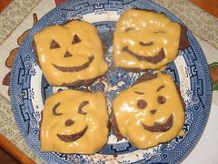Jack-o-lantern cheeseburgers, Jack O Lantern Cheeseburgers 2