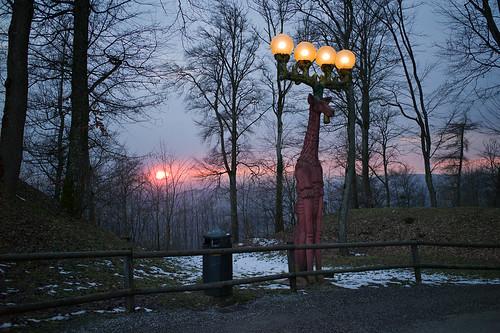 sunset sculpture art switzerland sonnenuntergang hiking zurich zürich uetliberg beleuchtung wanderung brunoweber 2013 strassenleuchte ©toniv leicam9 20130305 l1014970