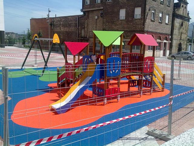 Suelo parque intantil plaza burtze a ii barakaldo - Parque suelo ...