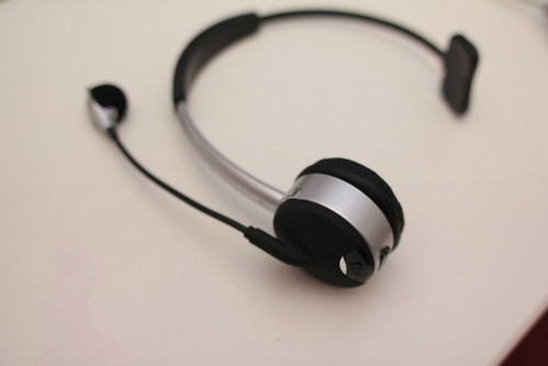 preview theboom wireless bluetooth headset vs theboom v4. Black Bedroom Furniture Sets. Home Design Ideas