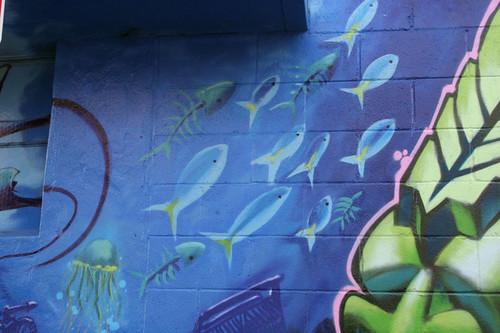 fish_school_sm.jpg