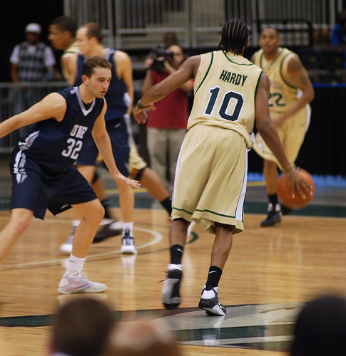 Jacksonville University vs University of North Florida basketball game - Basketball Playing Tips