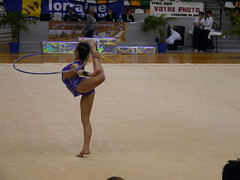 floor gymnastics(0.0), individual sports(1.0), sports(1.0), performing arts(1.0), gymnastics(1.0), entertainment(1.0), rhythmic gymnastics(1.0),