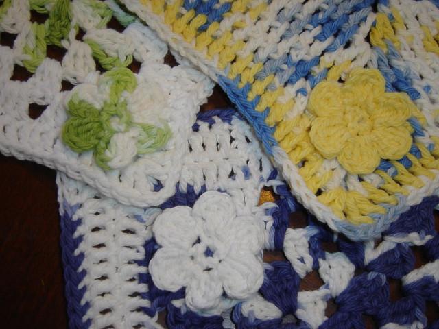 small crochet flower pattern Flickr - Photo Sharing!