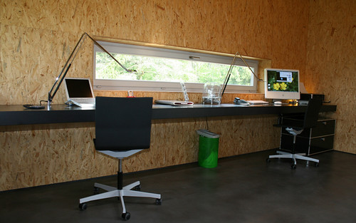 nice home office built in desk | Flickr - Photo Sharing!