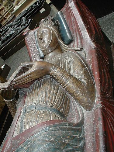 Eleanor of Aquitaine tomb cast