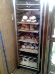 machine(0.0), kitchen appliance(1.0), room(1.0), refrigerator(1.0), major appliance(1.0),