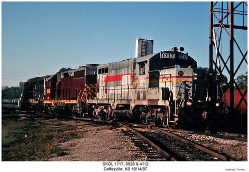 railroad train diesel railway trains kansas locomotive trainengine skol geep coffeyville emd gp9 gp30 gp16 gp35 watco fouraxle southkansasoklahoma