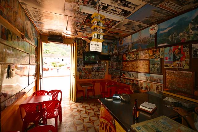 Imagen de un Bar típico de pueblo en Pijao, Quindio