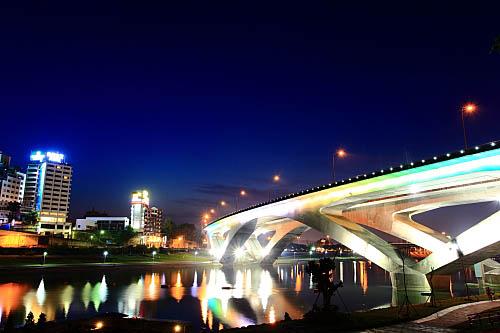 220I高速公路碧潭橋
