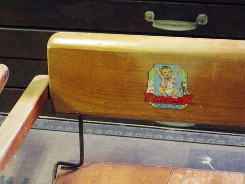 seggiolino per sedia antico