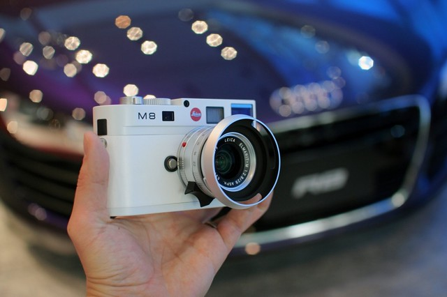 White Leica M8 limited edition