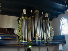 carillon(0.0), electronic device(0.0), keyboard(0.0), organ pipe(1.0), interior design(1.0), column(1.0), organ(1.0), pipe organ(1.0), wind instrument(1.0),