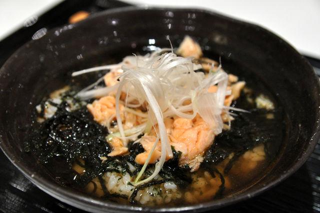 日式蓋飯-鮭魚茶泡飯 NT$190