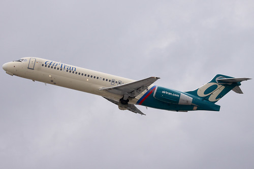 AirTran 717 Departing FLL