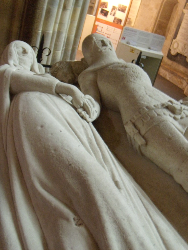 Arundel tomb Its rare to find effigies holding hands. Southbourne to Chichester