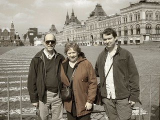 8495 - Family on Red Square BW