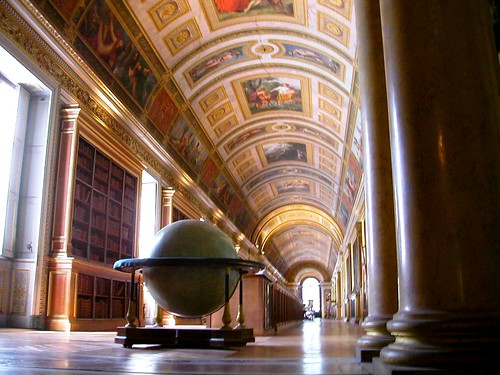 Bibliotheque, Fountainebleau, France