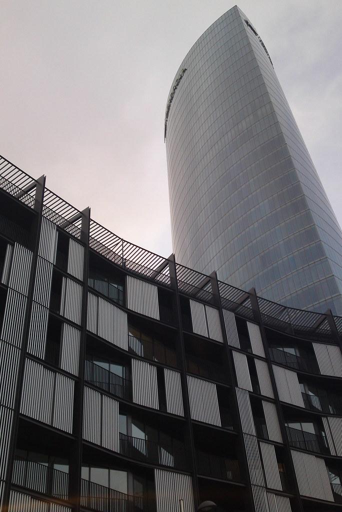 Bilbao torre iberdrola 165m 41 plantas page 128 for Oficinas caixa bilbao