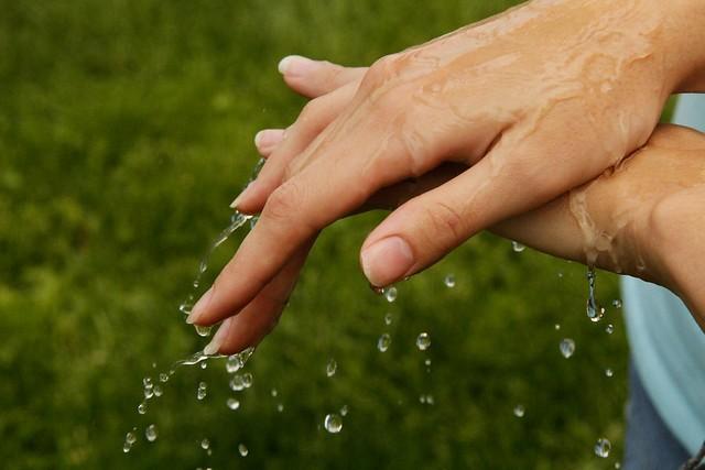 wet hand