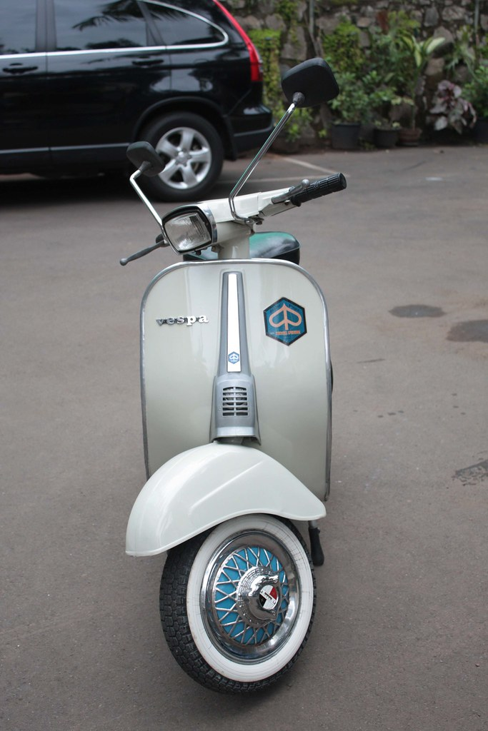 Vespa PTS Small Frame 1982
