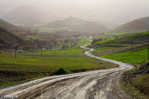 road green turn canon landscape spring haze iran dale hill dingle sigma iranian dust 1770 turning kurdistan vally sanandaj kavan kordestan 400d