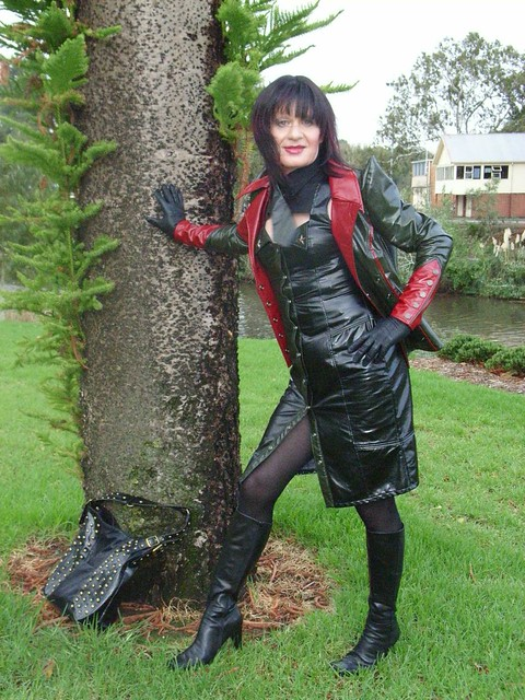 Latexnutte - a gallery on Flickr