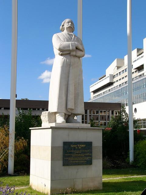 Statue de Gustave Flaubert  Statue de Gustave Flaubert ...