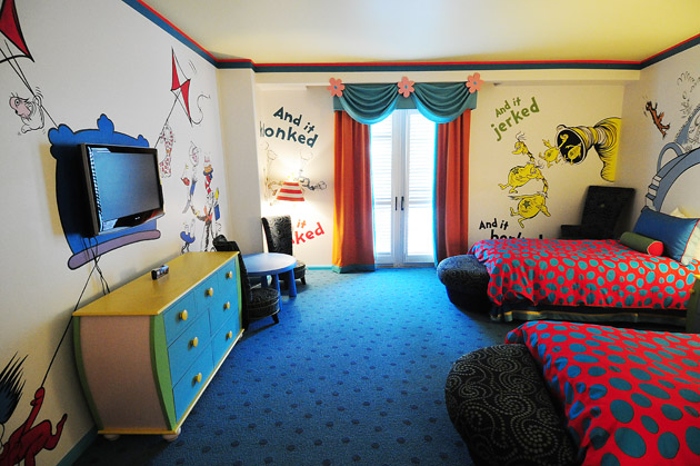 Hotel room tour dr seuss kids suites at portofino bay for Cute hotel rooms