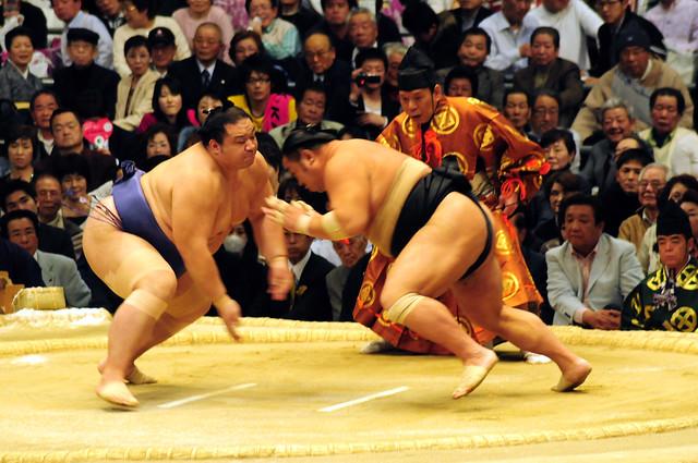 魁皇関 vs 千代大海関
