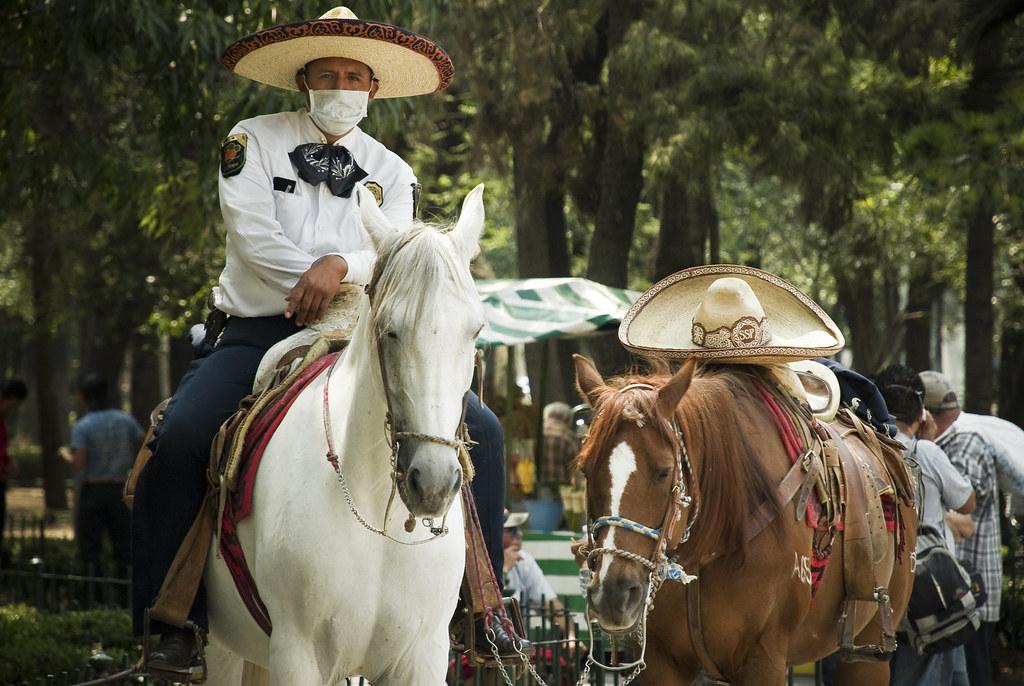 """Charro Protegido: """"México protegiéndose de la epidemia"""""""